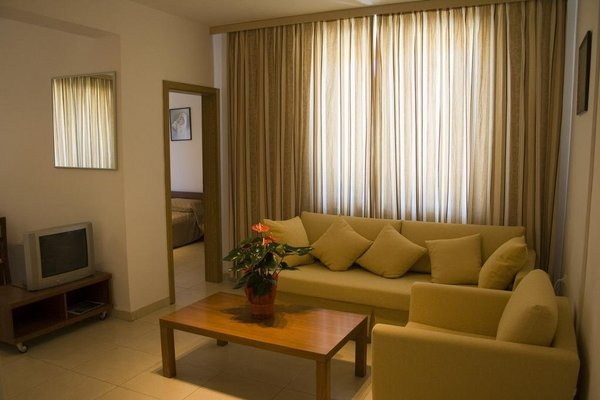 Sunny House Apart Hotel - фото 11