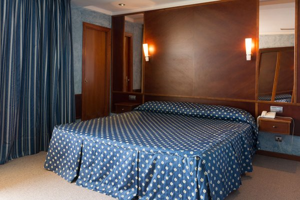 Royal Al-Andalus Hotel Torremolinos - фото 1