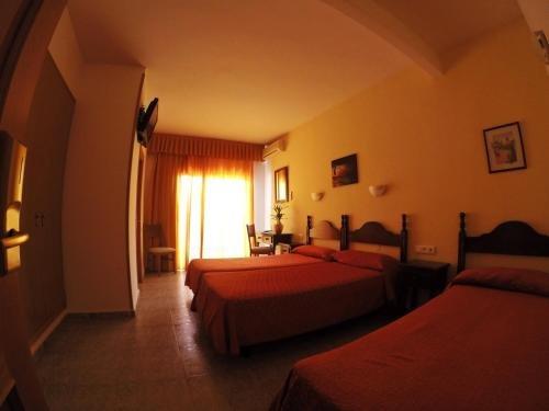 Hotel Carmen Teresa - фото 1