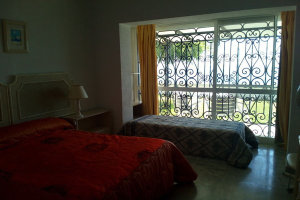 Apartamentos Torre de la Roca - фото 1