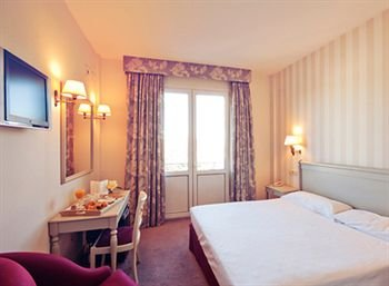 Hotel PAX Torrelodones - фото 2
