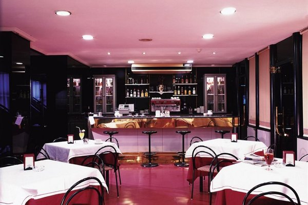 Hotel Celuisma Torrelavega - фото 15