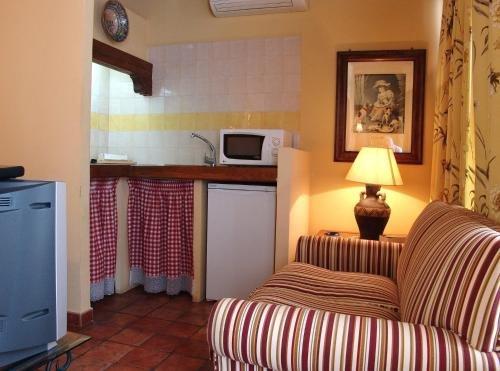 Alojamientos Turisticos Rurales La Barataria - фото 2