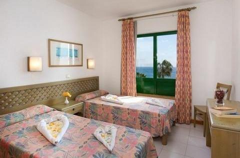 Blue Sea Apartamentos Costa Teguise Beach - фото 2