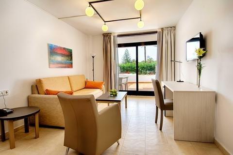 H10 Suites Lanzarote Gardens - фото 4