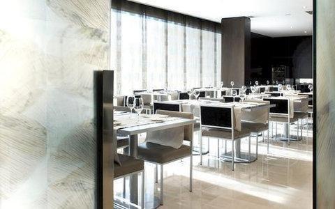 AC Hotel Tarragona, a Marriott Lifestyle Hotel - фото 10