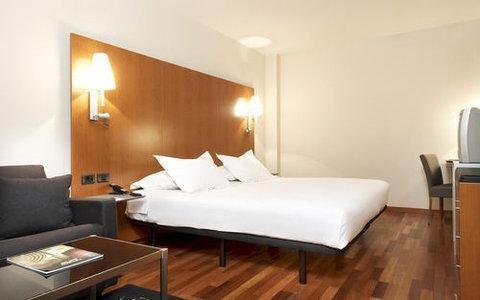 AC Hotel Tarragona, a Marriott Lifestyle Hotel - фото 2