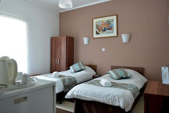 Sunstone Guest House - фото 1