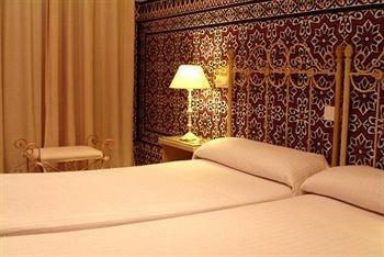 Hotel Simon - фото 2