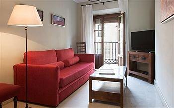 Puerta Catedral Apartments - фото 3