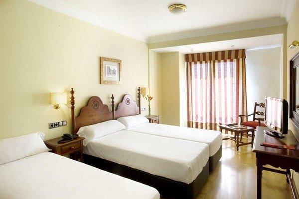 Hotel Virgen de los Reyes - фото 9