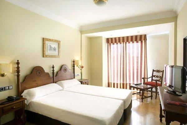 Hotel Virgen de los Reyes - фото 1