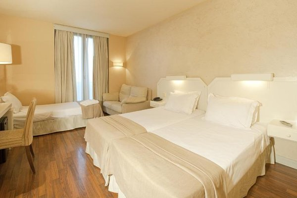 M.A. Hotel Sevilla Congresos - фото 18