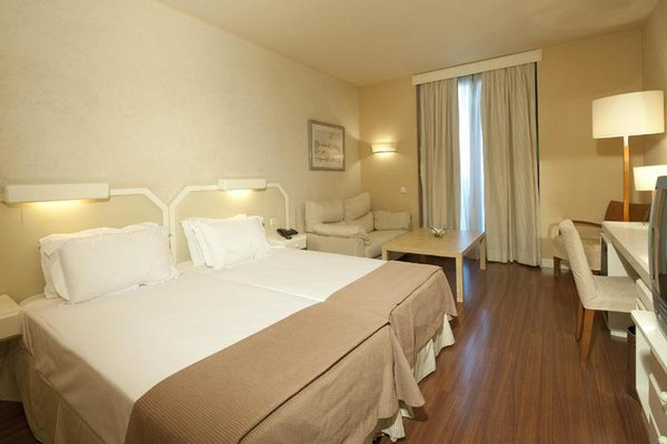 M.A. Hotel Sevilla Congresos - фото 2