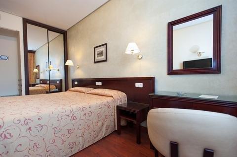 Hotel Derby Sevilla - фото 2