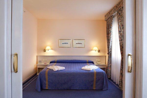 Ayre Hotel Sevilla - фото 2