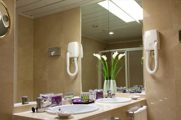 Ayre Hotel Sevilla - фото 9