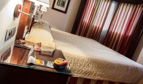 Hotel Sevilla Center - фото 2