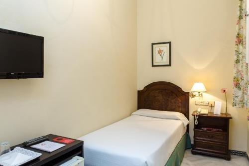 Hotel Abril - фото 3