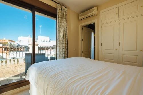 AT apartamentos & VTV Conde de Torrejon 10 - фото 50