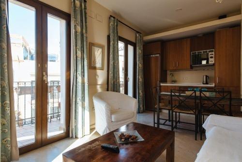 AT apartamentos & VTV Conde de Torrejon 10 - фото 4