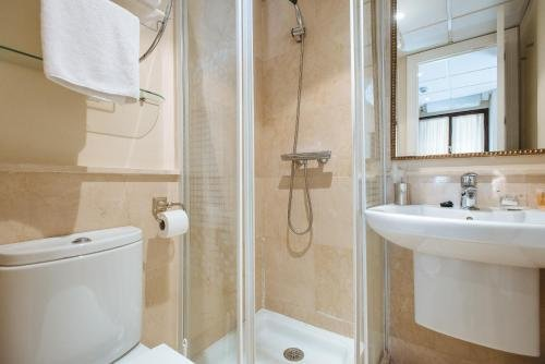 AT apartamentos & VTV Conde de Torrejon 10 - фото 9