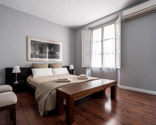 AQSevilla Apartments - фото 1