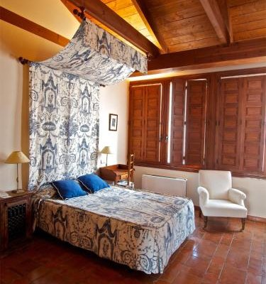 Palacio Ayala Berganza - фото 1