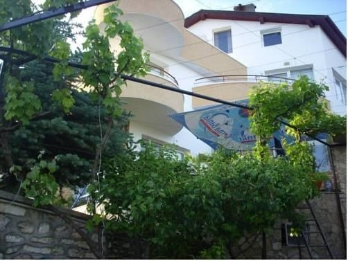 Popov Guest House - фото 1