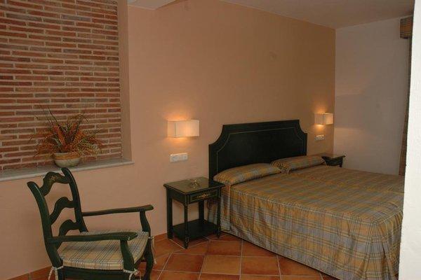 Hostal Dona Lola Marina - фото 3