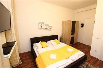 CheckVienna - Apartment Friedrich-Kaiser-Gasse - фото 1