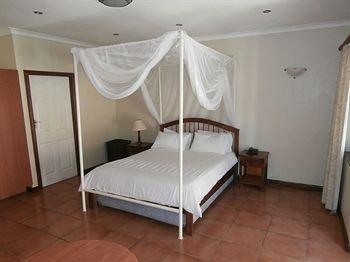 Annie's Lodge Lilongwe Area 10 - фото 2