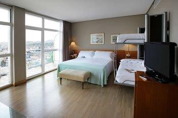 Tryp San Sebastian Orly Hotel - фото 2