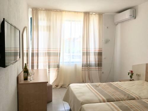 Familiya Club Hotel - фото 1