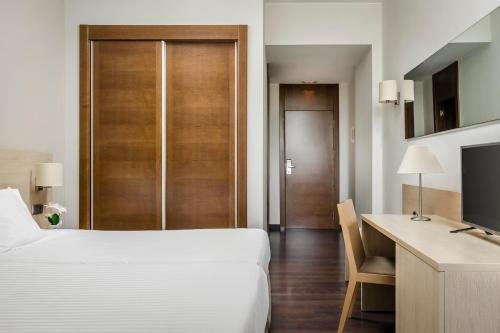 Hotel Sercotel Barcelona Gate - фото 11