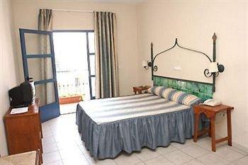 Hotel Atalaya - фото 3