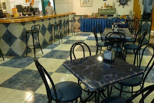 Hostal Puerto Genoves - фото 11
