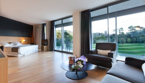 Hotel Mon Sant Benet - фото 4