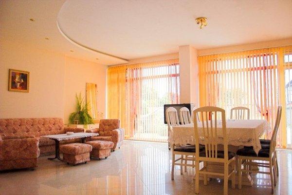 Family Hotel Liana - фото 10