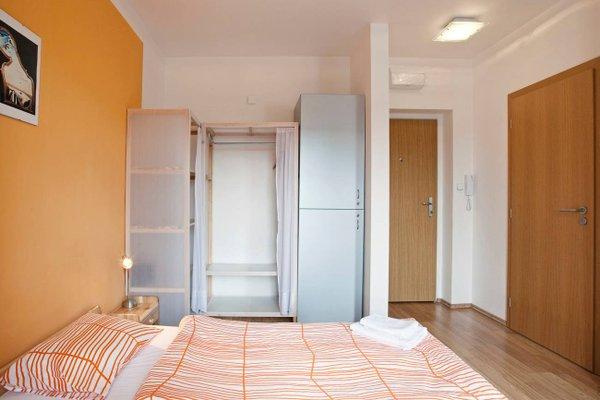 Orange & Yellow Apartments - фото 12