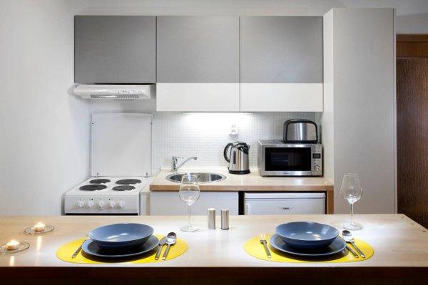 Orange & Yellow Apartments - фото 3