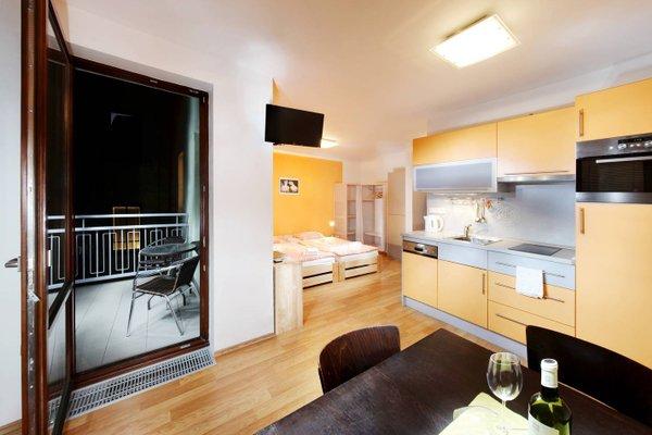 Orange & Yellow Apartments - фото 6