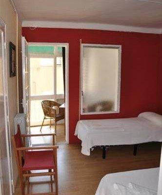 Hostal Montsant - фото 3
