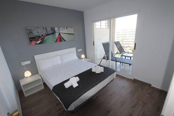 Click&Booking Apartamentos Royal Center - фото 16