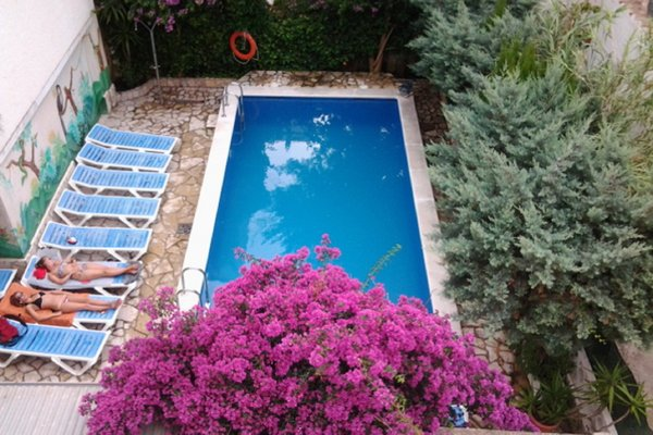 Pension Marbella - фото 8