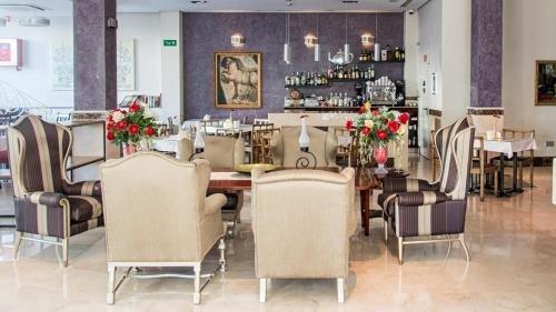 Hotel Sevilla - фото 18