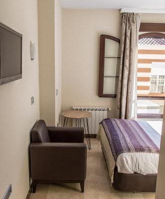 Hotel Sevilla - фото 7