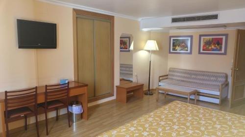 Hotel Cabanas - фото 4