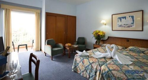 Hotel Elegance Miramar - фото 2