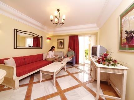 Hotel Las Aguilas - фото 3